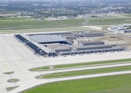 Több mint húszezer hibát vétettek a berlini repülőtér kivitelezői