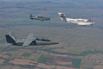 Scorpiont és AT–6-ost teszteltek a teszpilóta iskolások