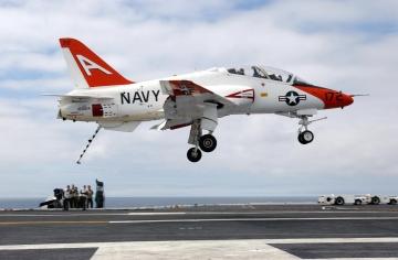 Egyelőre csak korlátozottan repülhetnek a Navy T–45-ös Goshawkjai
