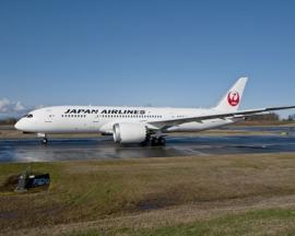 Átvette a Japan Airlines az első két B 787-es Dreamlinerét