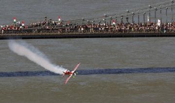 Légi parádé a Duna felett - Kötelékben a múlt és a jelen