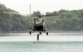 Vízi túlélőképzés pilótáknak