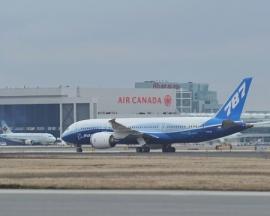 Torontóba érkezett a B 787 Dreamliner