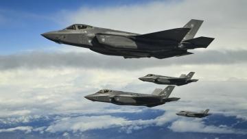 Először települtek amerikai F–35-ös vadászgépek Európába