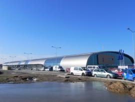 Indul Varsó új repterén a forgalom