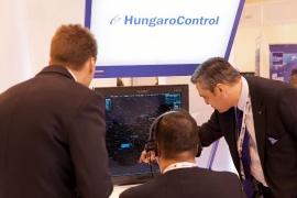 Magyar holdjáró a HungaroControl madridi standján