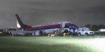 A nedves pálya miatt túlfutott a Sriwijaya Air  egyik gépe