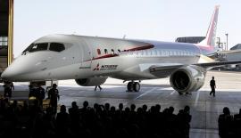 Ismét csúszik a japán MRJ szűzfelszállása