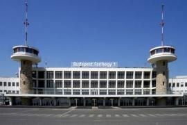 A reptér talpra állása a tét