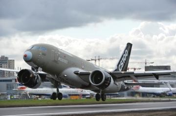 Berágott a Boeing a kanadai Bombardierre