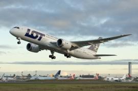 Megérkezett a LOT első Dreamlinere