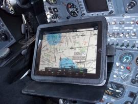 Zöld utat kapott az iPad a pilótafülkékben