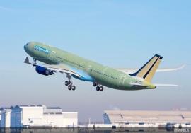 Megkapta az EASA típusalkalmassági bizonyítványát az új 242 tonnás A330-as