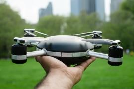 Mobilos appok a drónok biztonságosabb reptetéséhez
