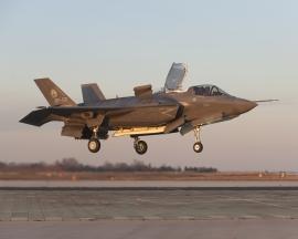 Az F–35-ös Lightning II túl az 5000 repült órán